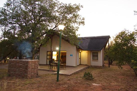 Phalaborwa Safari Park, A Forever Resort: 5-Sleeper Chalet. 2 bedrooms (1 double bed, 1 single bed & 1 bunker bed)